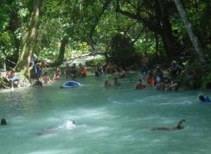 Rancho Querete atrae por su naturaleza y las permanentes frescas aguas del río Malaffo.