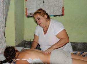 No me desempeño en la enfermería, pero puedo atender padecimientos desde la medicina natural tradicional, asegura Tania.