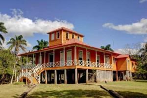 La casa museo actual es una réplica de la vivienda familiar de diez habitaciones que quedó reducida a cenizas hace años.