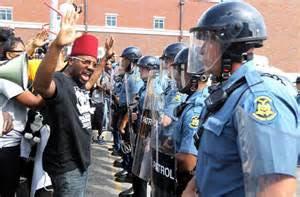 Obama exhortó a las autoridades a no obstaculizar las actividades pacíficas y proteger los derechos constitucionales de los ciudadanos de Ferguson.
