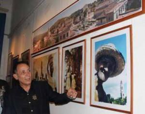 Con un lenguaje poético y provocador, Raúl Abreú ofrece un recorrido por la realidad actual de la villa trinitaria.