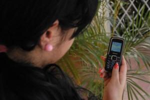 A pesar de las limitaciones tecnológicas, la telefonía celular se multiplica en el territorio.