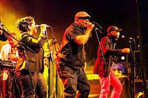 Los Van Van está considerada la orquesta más popular de Cuba.