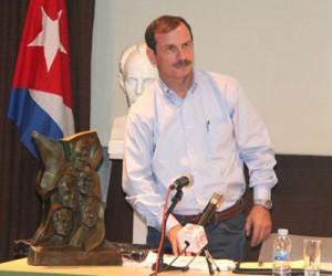 Fernando González Llort, liberado hace apenas seis meses tras más de 15 años de prisión en EEUU, en la embajada de Cuba en Madrid.