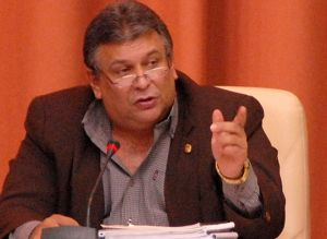 Marino Murillo Jorge continuará desempeñando sus responsabilidades como Vicepresidente del Gobierno y Jefe de la Comisión Permanente para la Implementación y Desarrollo.
