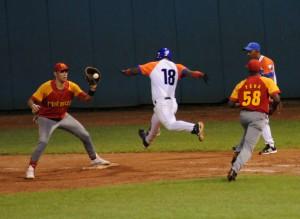 53 Serie Nacional de Béisbol: Sancti Spíritus vs. Matanzas (foto: Vicente Brito)