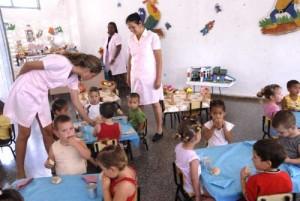 El Estado cubano garantiza la atención pedagógica y la superación de las educadores de círculos infantiles.