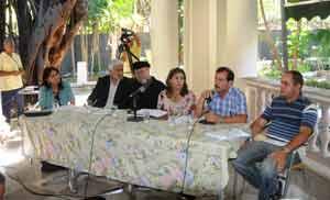 Conferencia de prensa en la sede del ICAP.