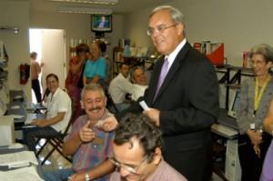 El cabo Cason en los tiempos que le repartía tiques a los mercenarios cubanos en la Oficina de Intereses de Estados Unidos en La Habana.