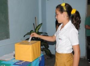 Las elecciones se realizan en todos los colectivos de primaria, secundaria básica y la enseñanza especial del país.