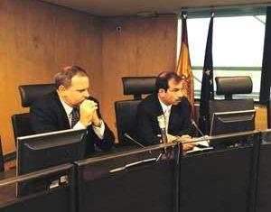 Fernando puso al tanto a los participantes de la situación de sus compañeros aún en prisión.