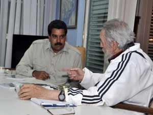 """""""Gracias Fidel, seguimos el camino del gigante"""", escribió Maduro a Castro en su cuenta de la red social Twitter."""