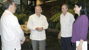 Raúl Castro y el canciller mexicano, José Antonio Meade Kuribreña (izquierda). Foto: Estudios Revolución.