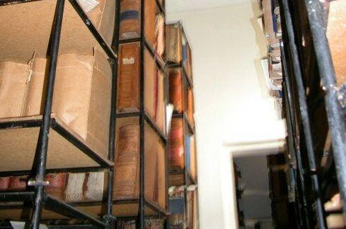 Muchos documentos del Archivo Histórico Provincial manifiestan un elevado grado de deterioro.