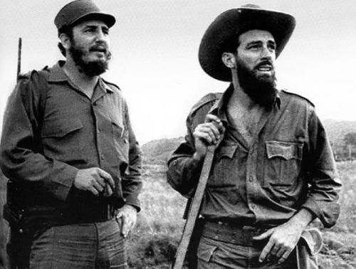 Camilo junto a Fidel.