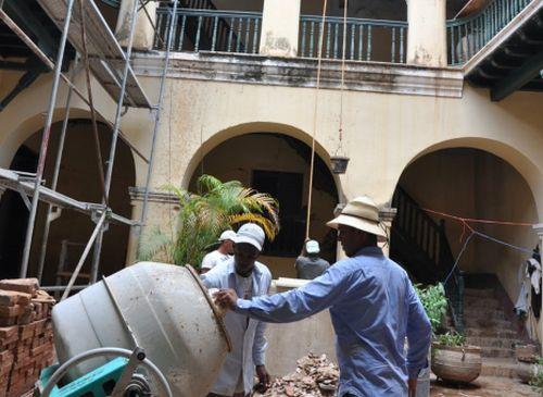 Entre los frentes que hoy necesitan fuerza de trabajo se encuentra la construcción.