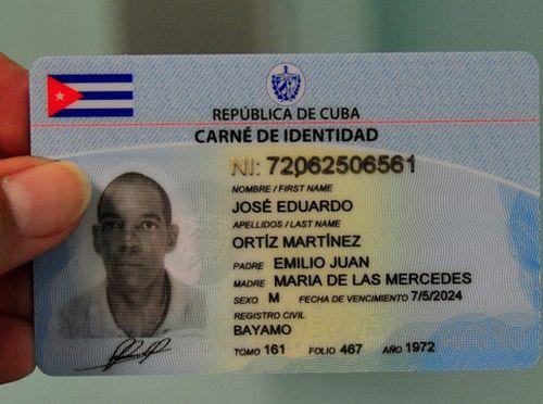 Nuevo carné de Identidad en Cuba.