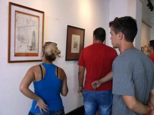 La exposición, inaugurada en la galería Tristá, propone una mirada en retrospectiva a la obra de Echenagusía.