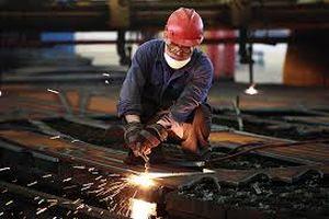 La industria cubana enfrenta constantes obstáculos para garantizar la producción, importación y comercialización de todo tipo de insumos.
