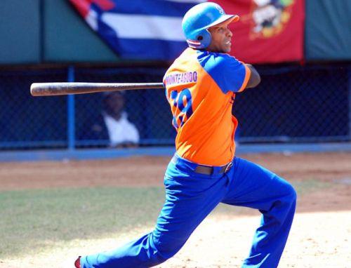 Monteagudo comparte el liderazgo de los jonroneros en la presente Serie Nacional con el tunero Yosvani Alarcón.