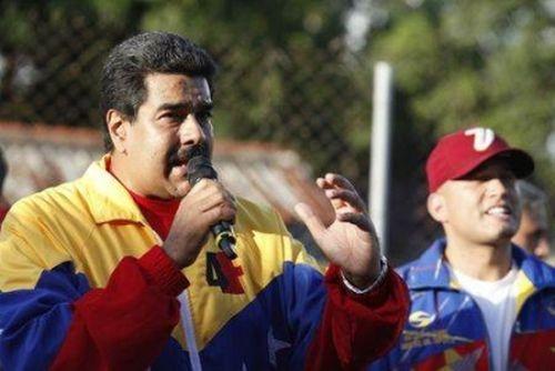 Maduro calificó de heroica la delegación de 165 galenos cubanos que partieron a Sierra Leona a combatir el ébola.