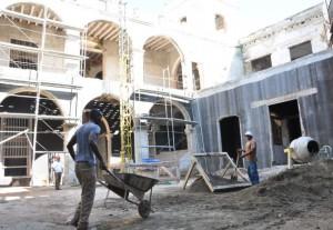 Fuerzas del Micons trabajan en el repello y labores de deshumidificación.