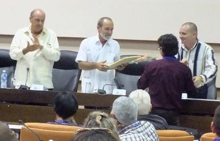 La entrega de los premios del Festival Nacional de la Radio ocurrió con el reconocimiento a destacados radialistas y a las emisoras del país.