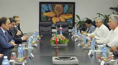 En el cordial encuentro se constató el desarrollo favorable de las relaciones bilaterales.