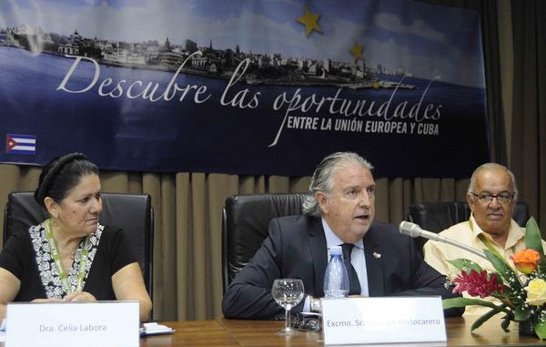 Herman Portocarrero destacó que Cuba tiene muchas ventajas porque cualquiera de sus productos puede alcanzar con rapidez reconocimiento internacional. Foto AIN