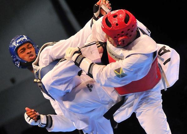 Rafael Alba, vigente monarca del orbe, refrendó su categoría en el taekwondo.