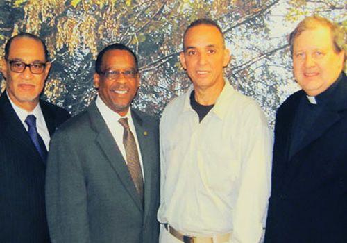 De izquierda a derecha Dr. Carroll A. Baltimore Sr., PNBC; Rev. John L. McCullough, CWS; Antonio Guerrero y Rev. Dr. Russell L. Meyer. Foto: Sitio Oficial del Servicio Mundial de Iglesias.