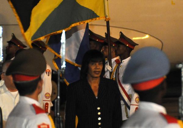 Portia Simpson-Miller en el momento de su arribo a La Habana.