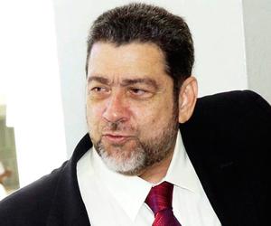 Ralph Everald Gonsalves, Primer Ministro de San Vicente y las Granadinas.