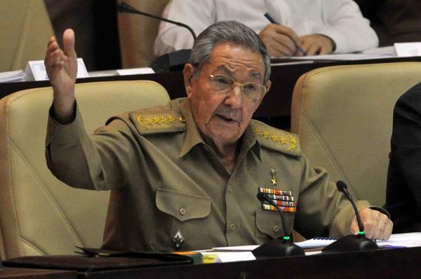 Raúl Castro: Todo requiere regulación como guía sobre la cual basar el trabajo
