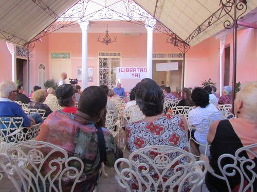 A golpe de trova y de patriotismo fue celebrado el Día del Trabajador de la Cultura.
