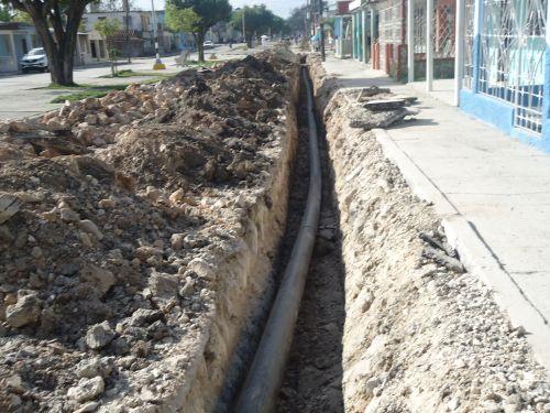 La construcción del acueducto implica la instalación de unos 215 kilómetros de tuberías para conductoras, redes y acometidas de distintos diámetros.