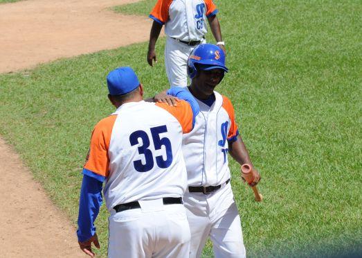 yovani aragon, los gallos, equipode sancti spiritus, serie nacional de beisbol, serie 54
