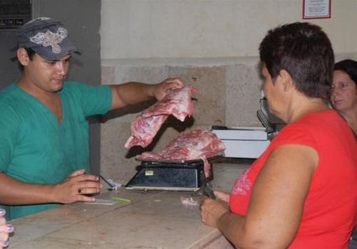 empresa porcina, sancti spiritus, venta de cerdo, economia cubana