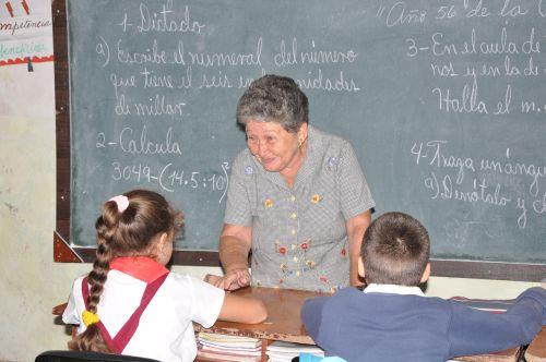 La reincorporación de los jubilados constituye un ejemplo para los jóvenes educadores.