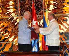 La comisión intergubernamental Cuba-Venezuela aportó cinco contratos destinados al impulso de proyectos educacionales, de salud y productivos.