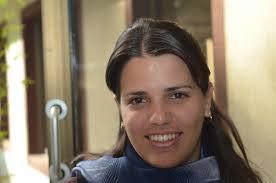 El Bank of America notificó a la becaria que no podía hacer negocios con ella, salvo que presentara documentos que la acreditaran como una ciudadana cubana que emigró definitivamente a Estados Unidos.