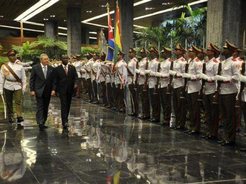 Recibió Raúl al Primer Ministro de Granada.