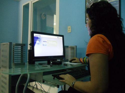 salas de navegacion, internet, informatizacion de la sociedad