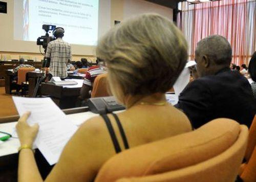parlamento cubano, diputados a la asamblea nacional del poder popular, cuba, esteban lazo