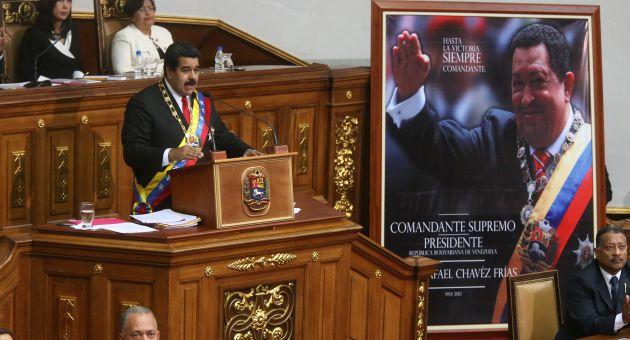 Muchas de las medidas económicas que se adoptarán van dirigidas a mantener y consolidar los niveles de empleo para sumar más jóvenes al trabajo productivo, adelantó Maduro.