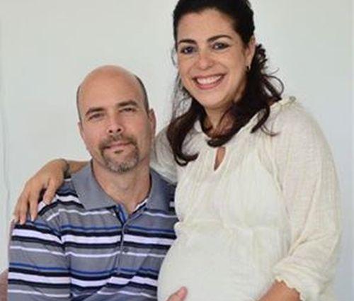 Adriana y Gerardo, los cinco, cuba