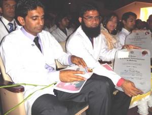 Hace alrededor de un año, se produjo la primera graduación de estudiantes pakistanías de medicina en Cuba.
