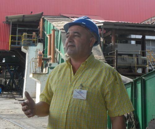 Según Radamés Rodríguez, la exigencia por el cumplimiento de la disciplina incide directamente en los resultados del ingenio. Foto: Reidel Gallo