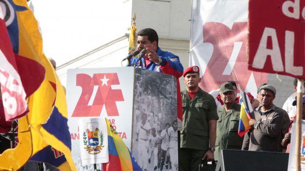Maduró asistió al desfile y concentración este sábado por el 26 aniversario del llamado Caracazo el 27 de febrero de 1989.