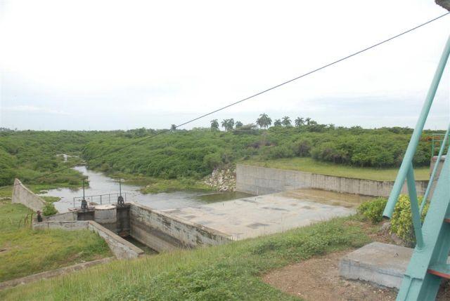 Las labores de rehabilitación en la presa La Felicidad permitirán recuperar 27 millones de metros cúbicos de agua.